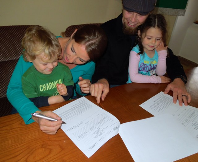 Signing our Italian Citizenship Papwork | Everyone Is So Excited!