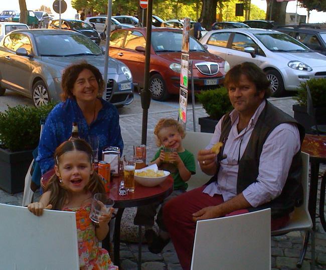 Aperitivo en Urbino: Carlo, Gigia, Stella e Romolo